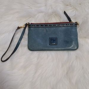 Dooney & Bourke pebble leather wristlet / clutch